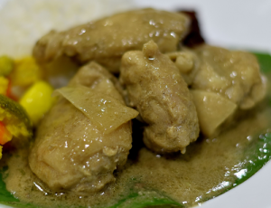 Kurma Chicken